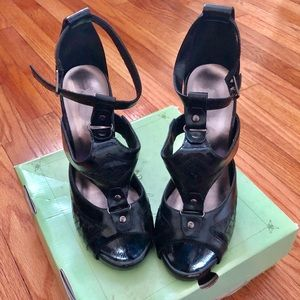 Sarah-Jayne Passage Heels